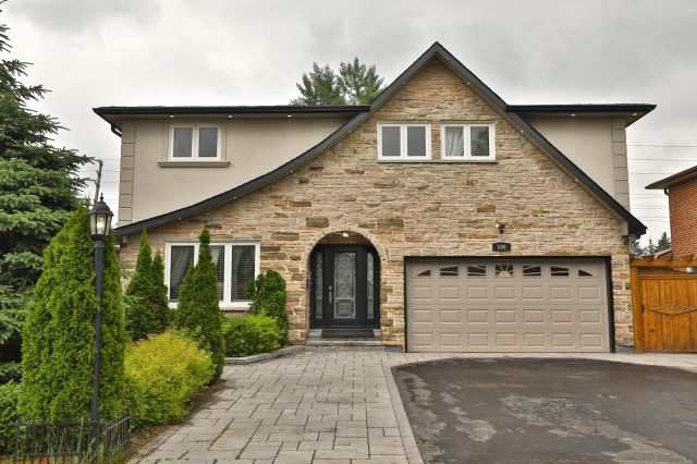 546 Cullen Ave, Mississauga
