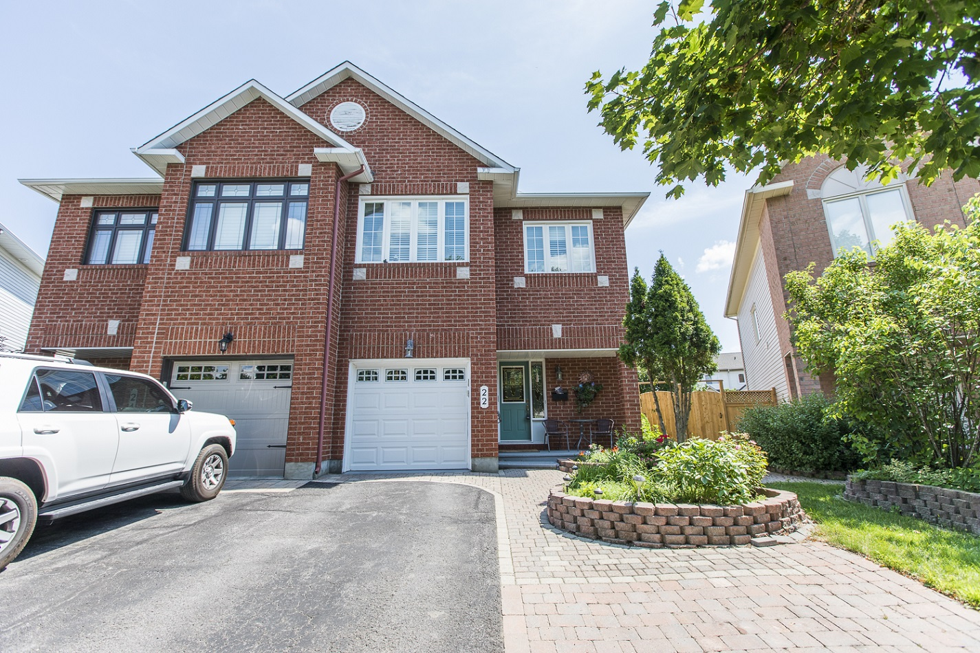 22 Eagleview Street | Bright and Spacious Semi-Detached Home in Emerald Woods