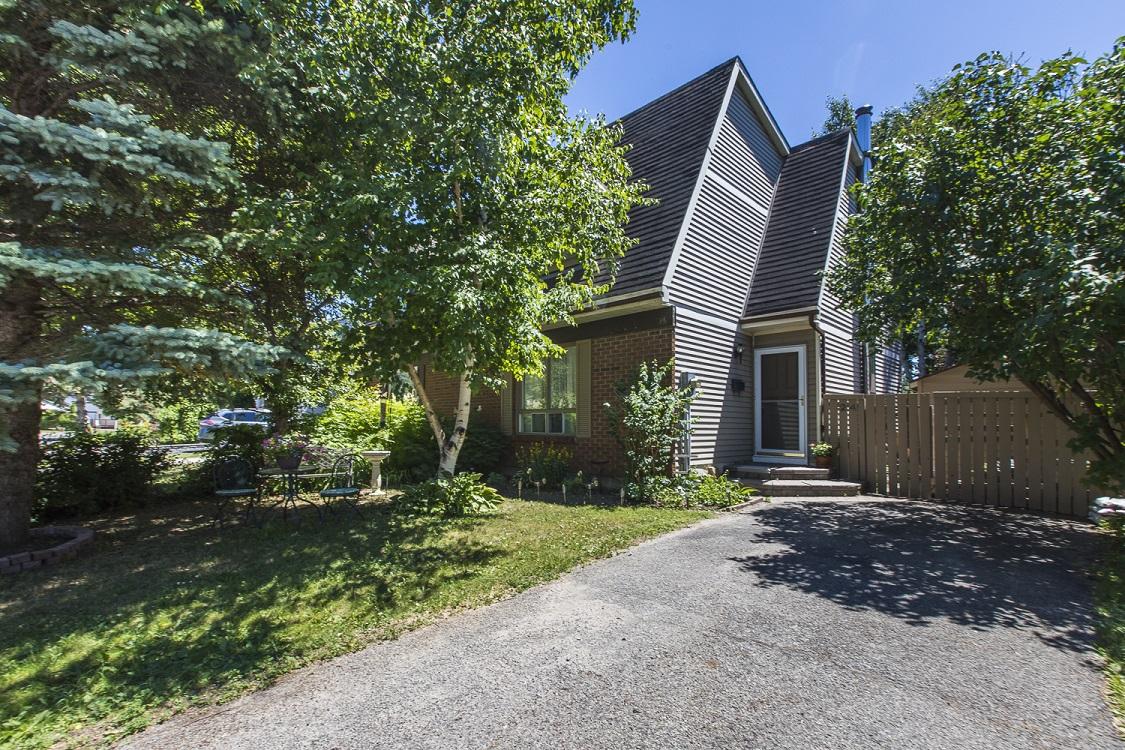 24 Melanie Crescent | Semi-Detached Home in Glen Cairn