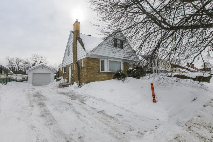 328 Pleasant Park Rd | Oversized Lot with Cozy Detached Home in Alta Vista
