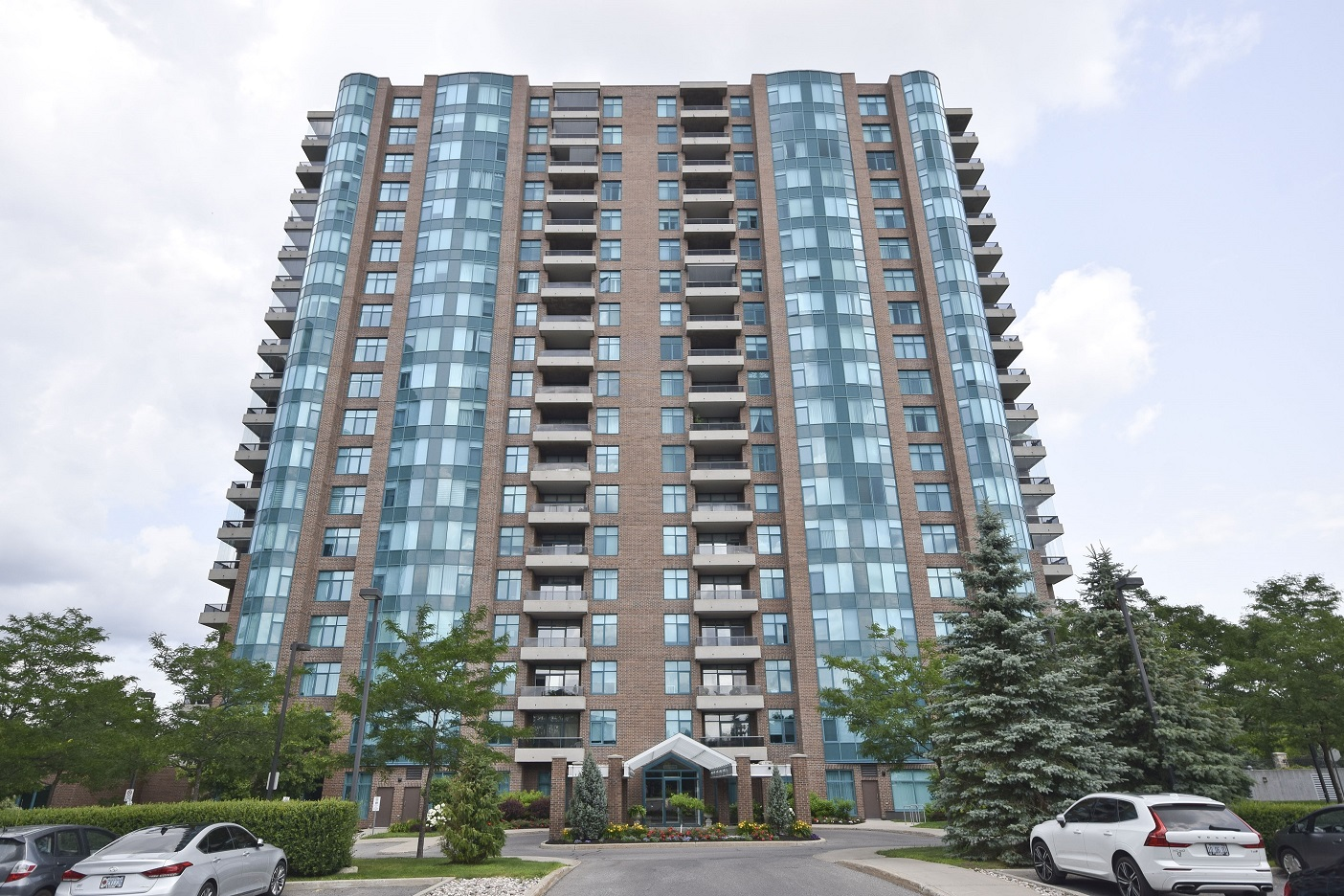 3580 Rivergate Unit 1604 | Gorgeous and Well-Maintained 2 Bedroom Condo in Quinterra