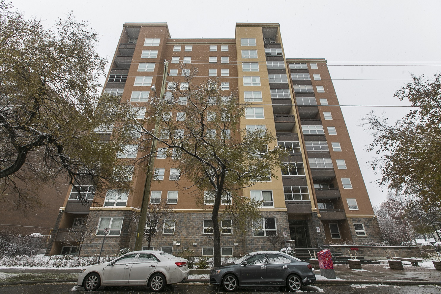 373 Laurier Avenue Unit 402