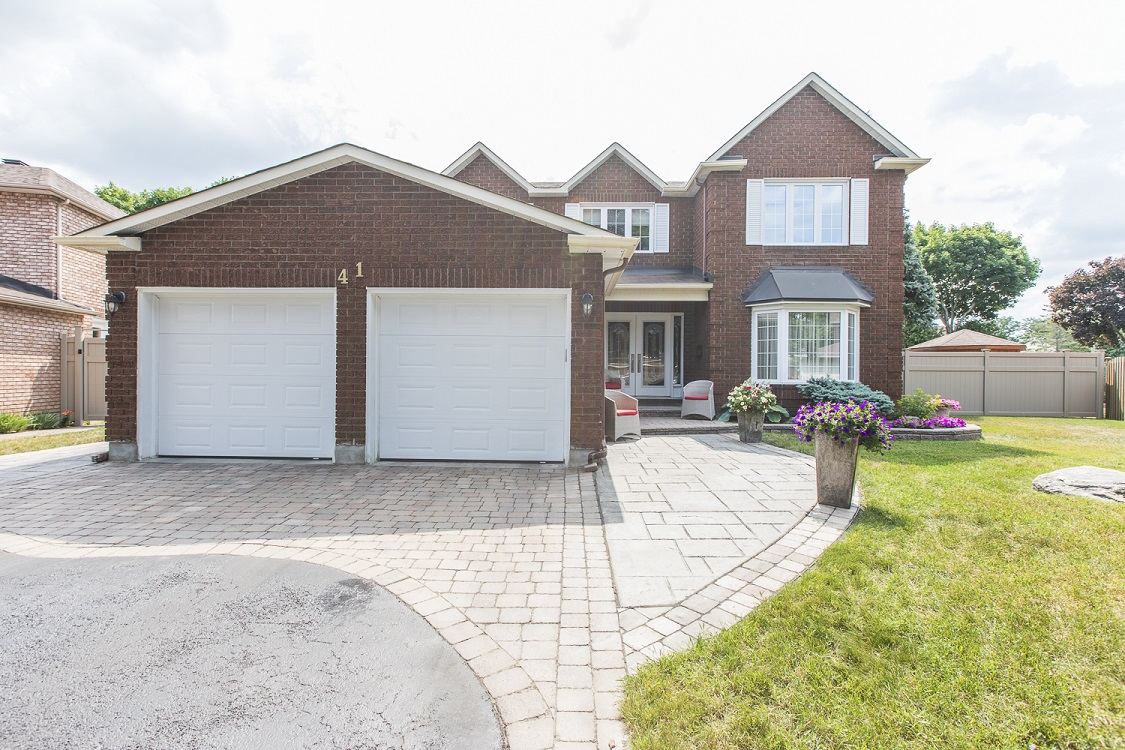 41 Claudet Crescent | Beautifully Updated 4 Bedroom Single Family Home in Hunt Club Park