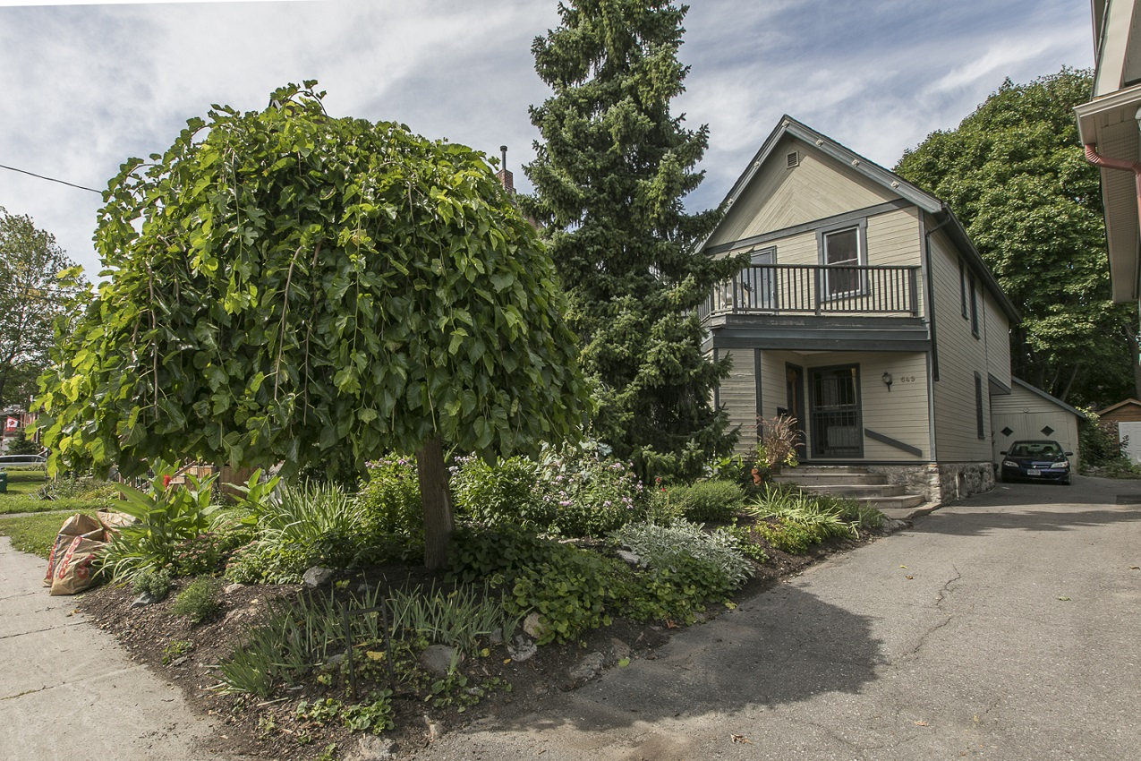 649 Gilmour Street | Unique Home with Old World Charm and Modern Updates in Centretown