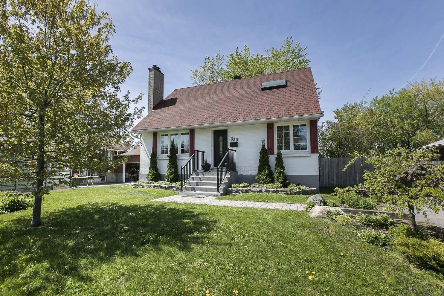 830 Iroquois Road | Well-Maintained Single Family Home in Glabar Park