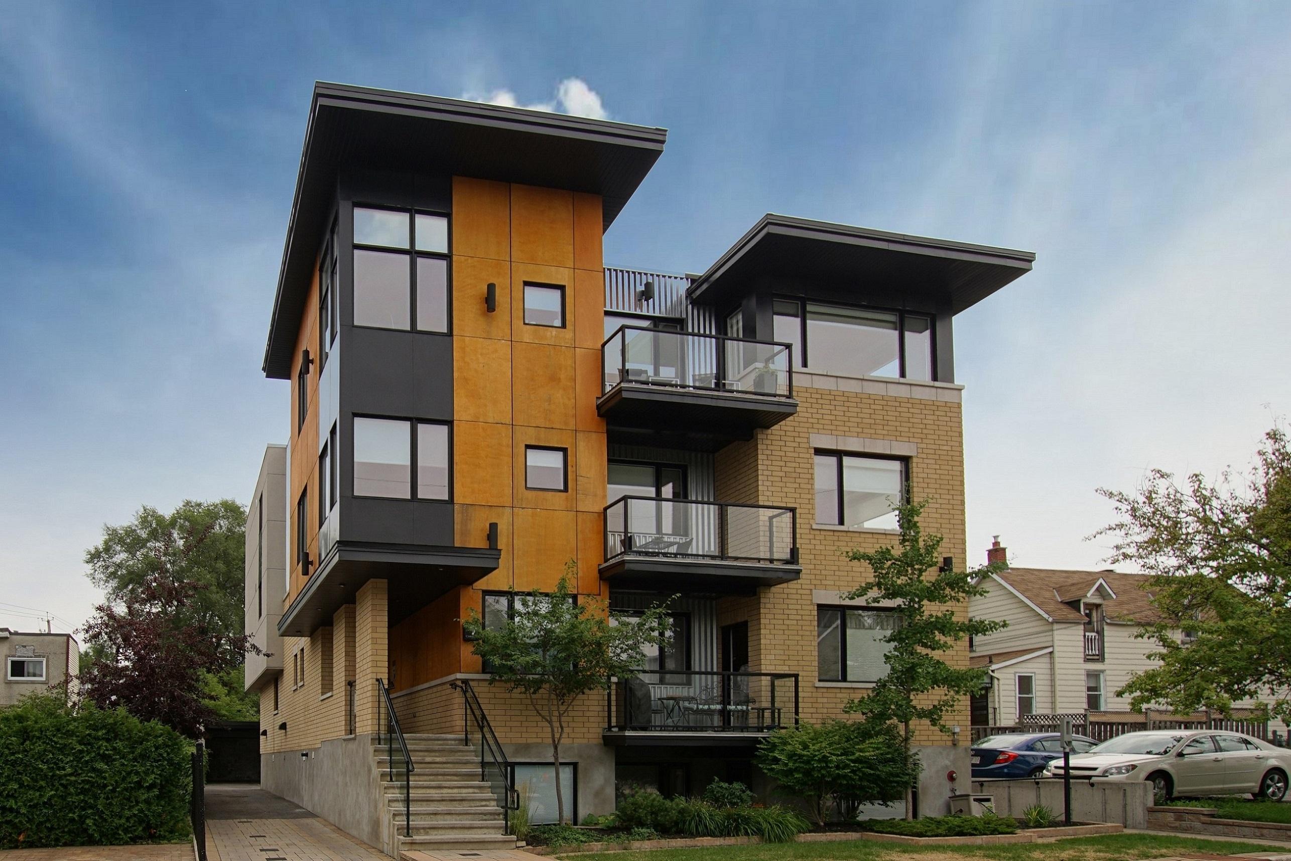 9 Chapleau Avenue Unit 301 | Modern and Chic Condo in Beachwood Village