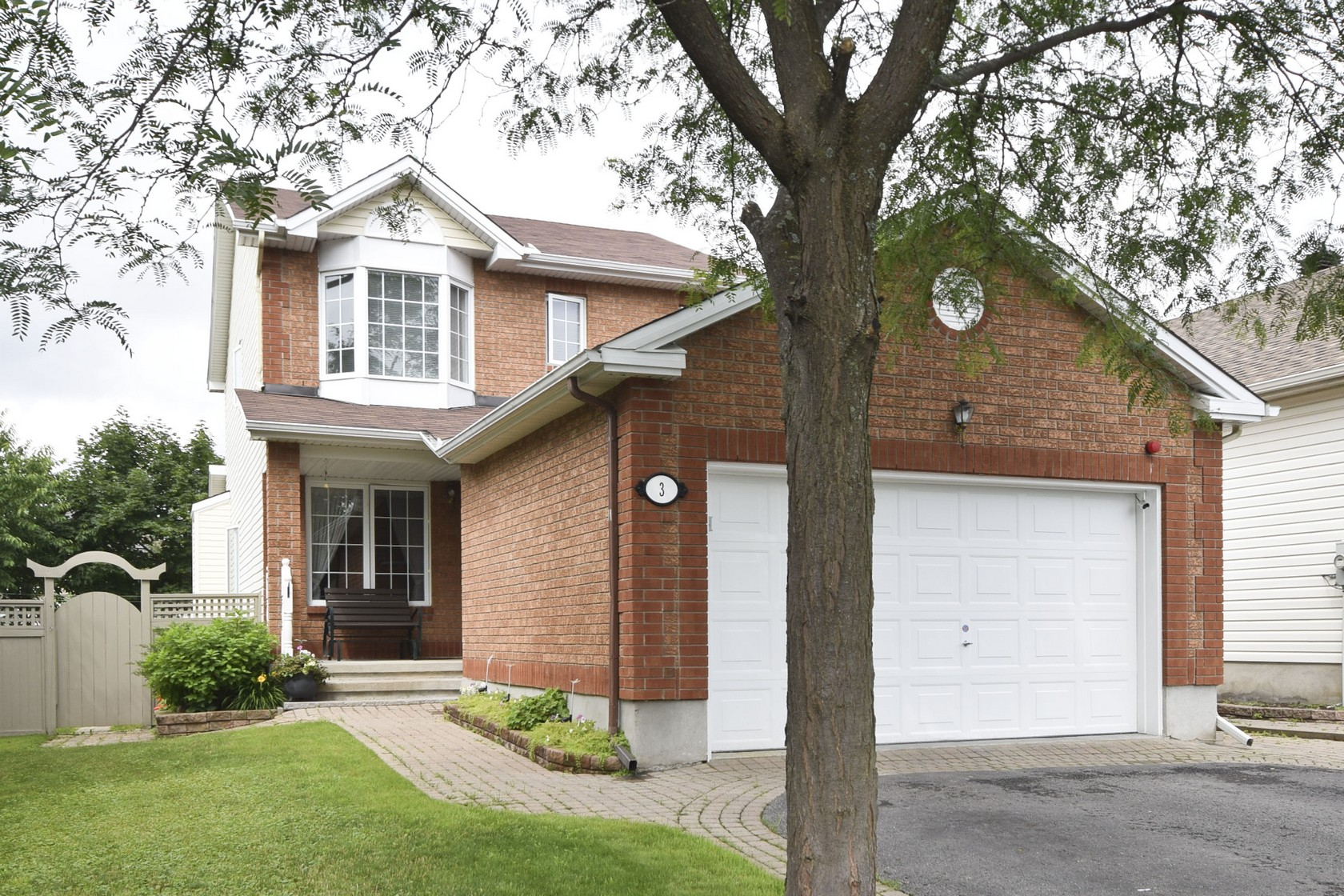 3 Meadowcroft Crescent | Well-Maintained 3 Bedroom Single Family Home in Carson Grove