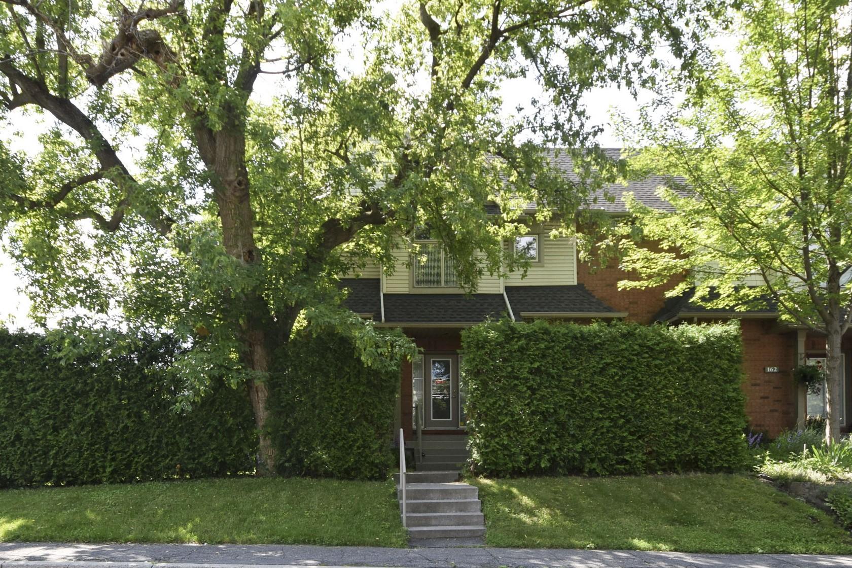 158 Hopewell Avenue | Modern Semi-Detached Home Steps from the Glebe Market