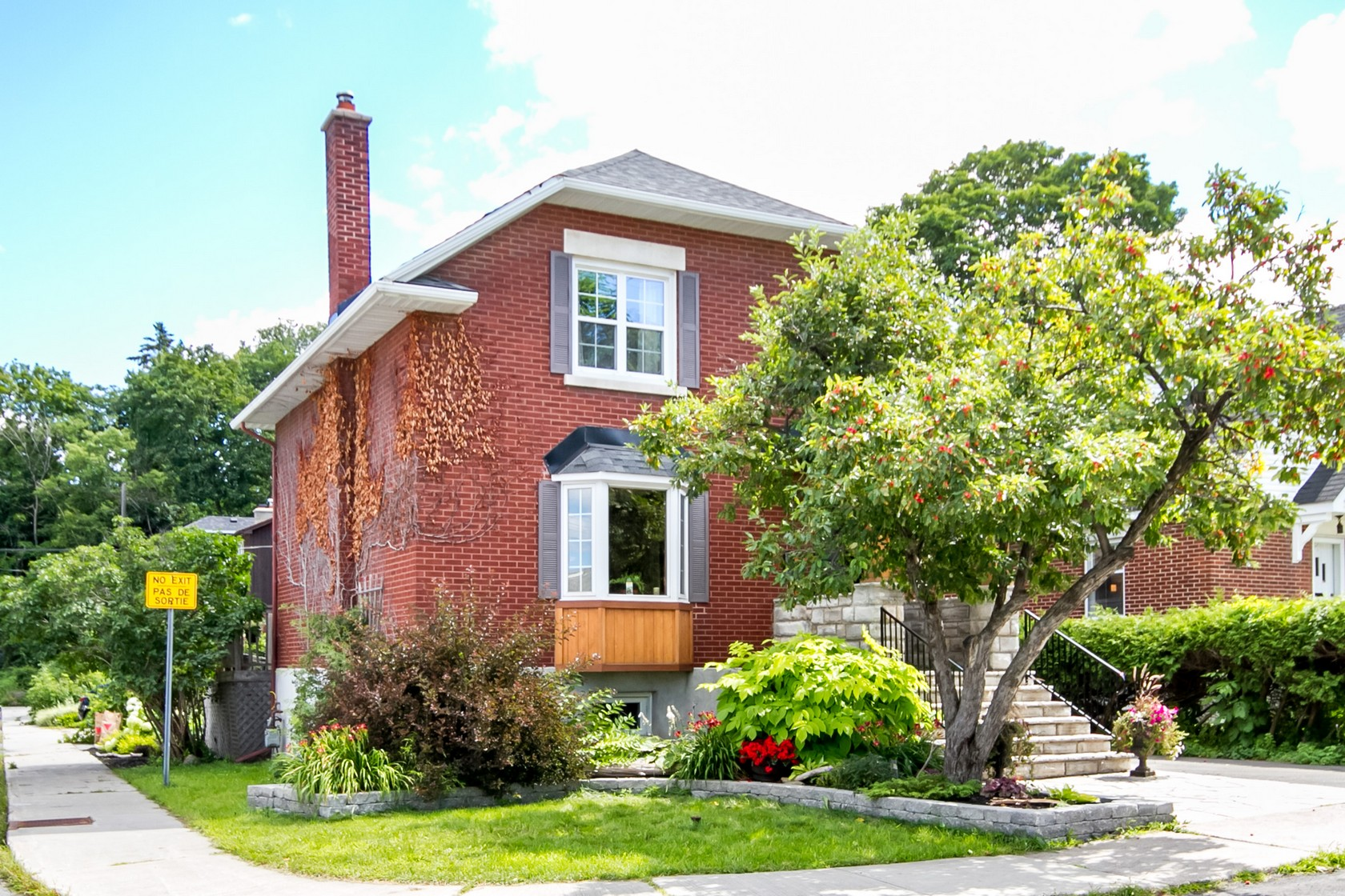 253 Fairmont Ave | Renovated Single Family Home in Civic Hospital Area