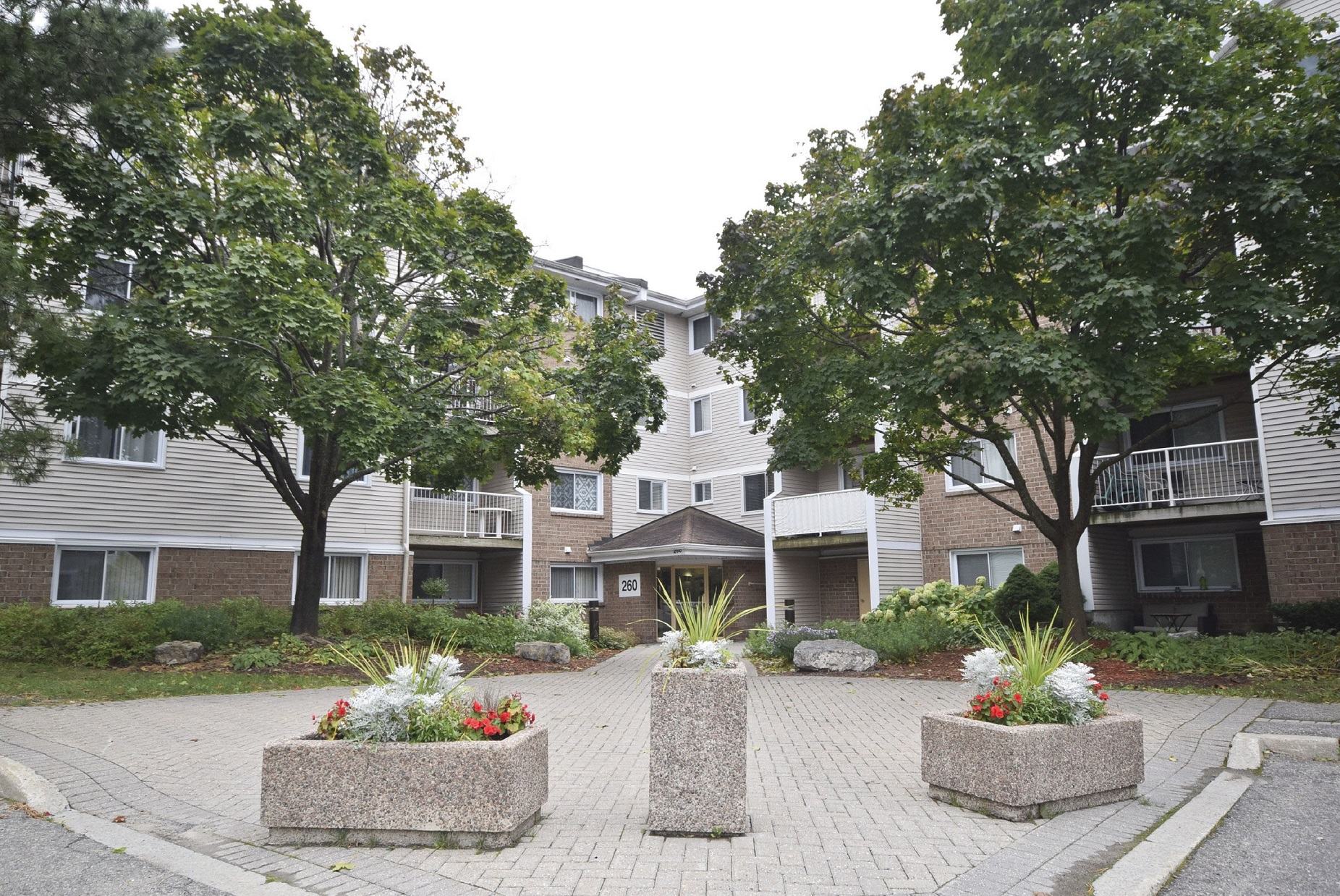 260 Brittany Unit 315 | 2 Bedroom Condo in East End Oasis