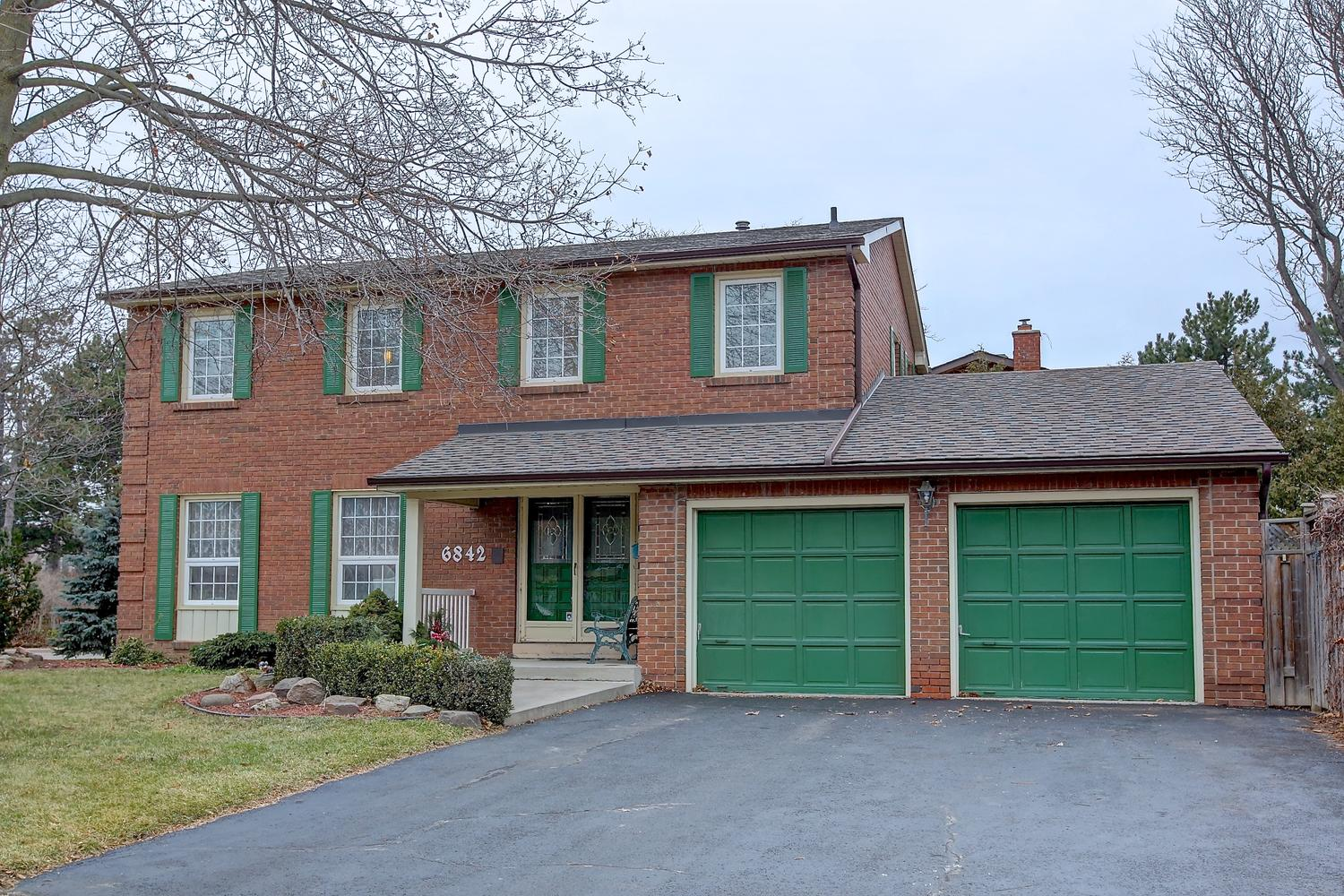 6842 Barrisdale Drive, Mississauga