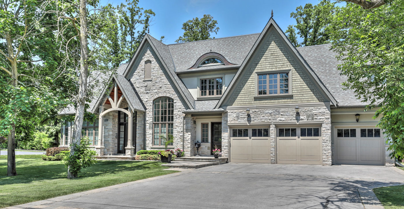 2249 Pineneedle Row, Mississauga