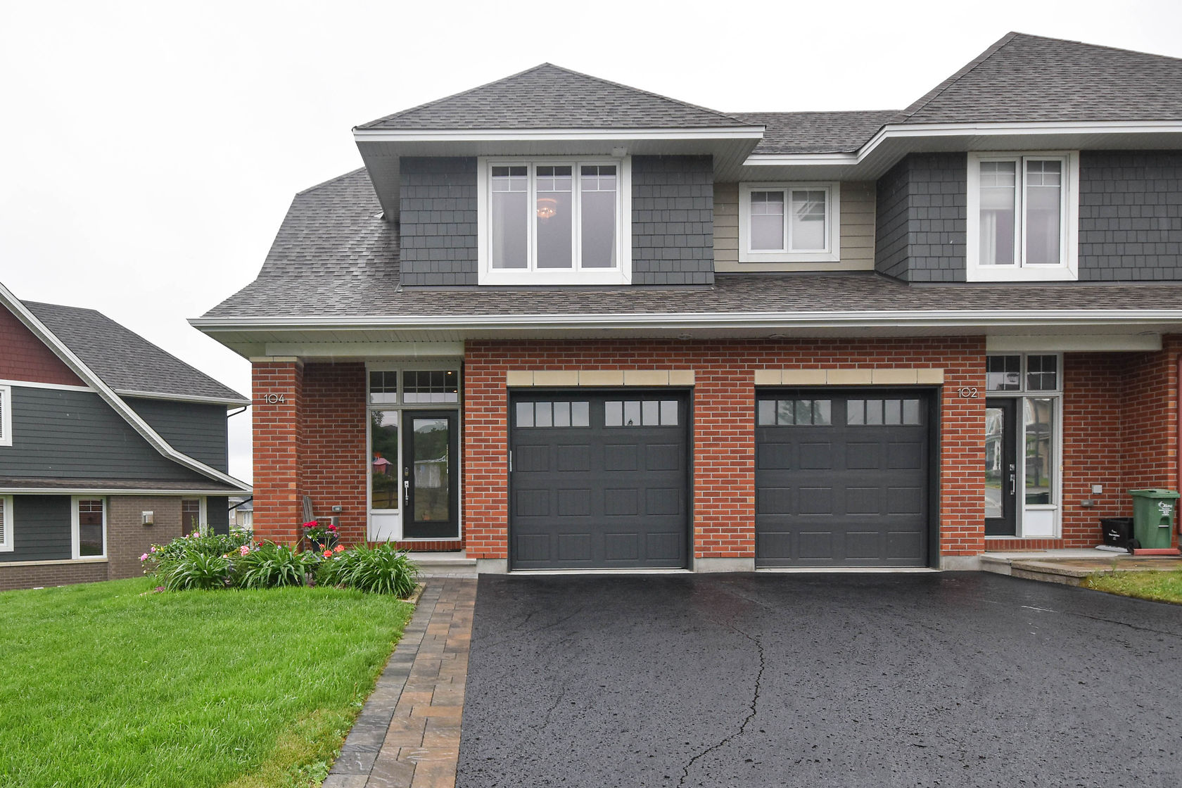 104 Boundstone Way - Gorgeous 3 Bed End Unit Townhouse in Kanata Lakes!