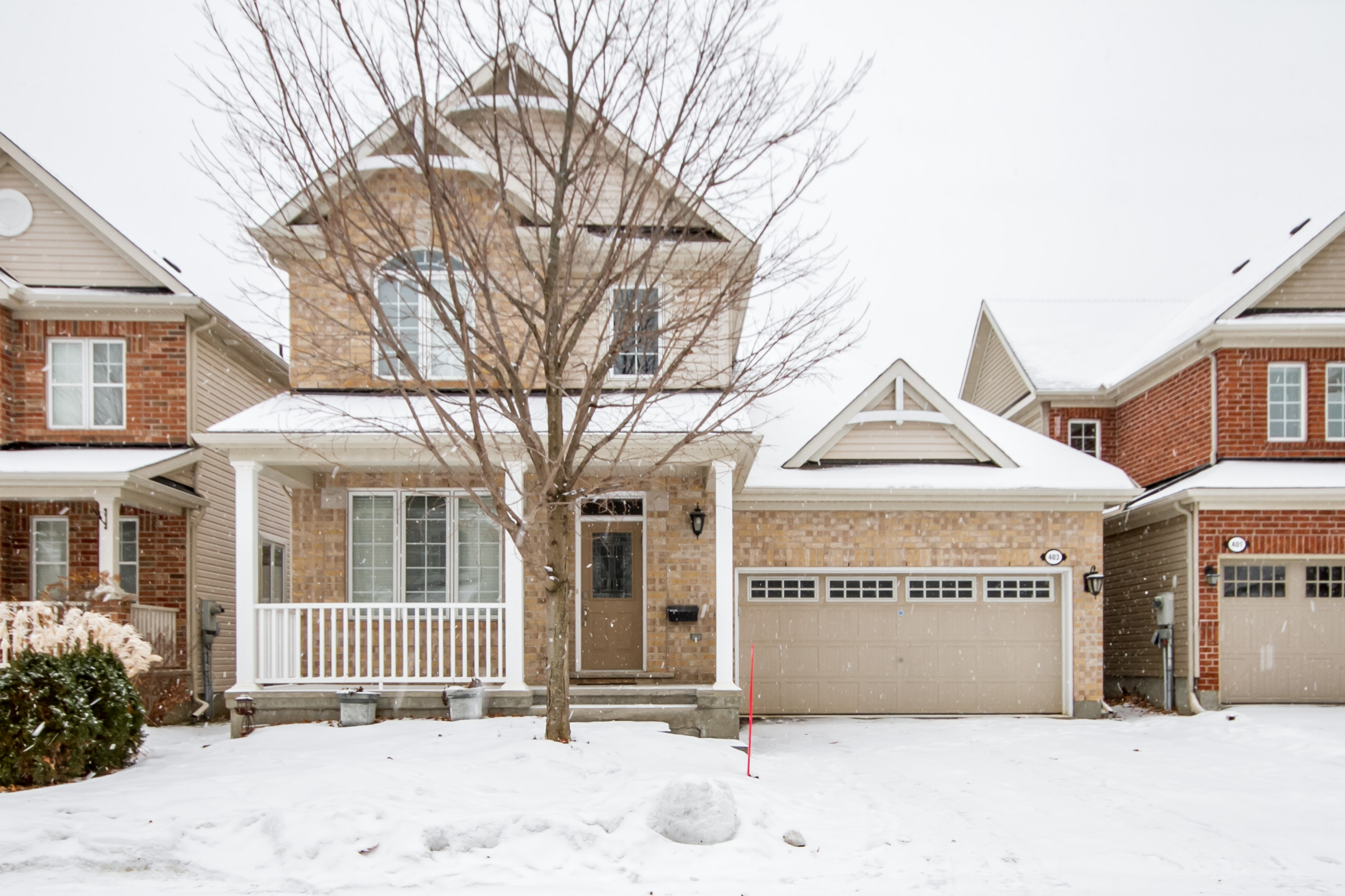 403 Etesian St - Gorgeous and Unique Layout in this 3 Bedroom Detached Home in Stittsville area!
