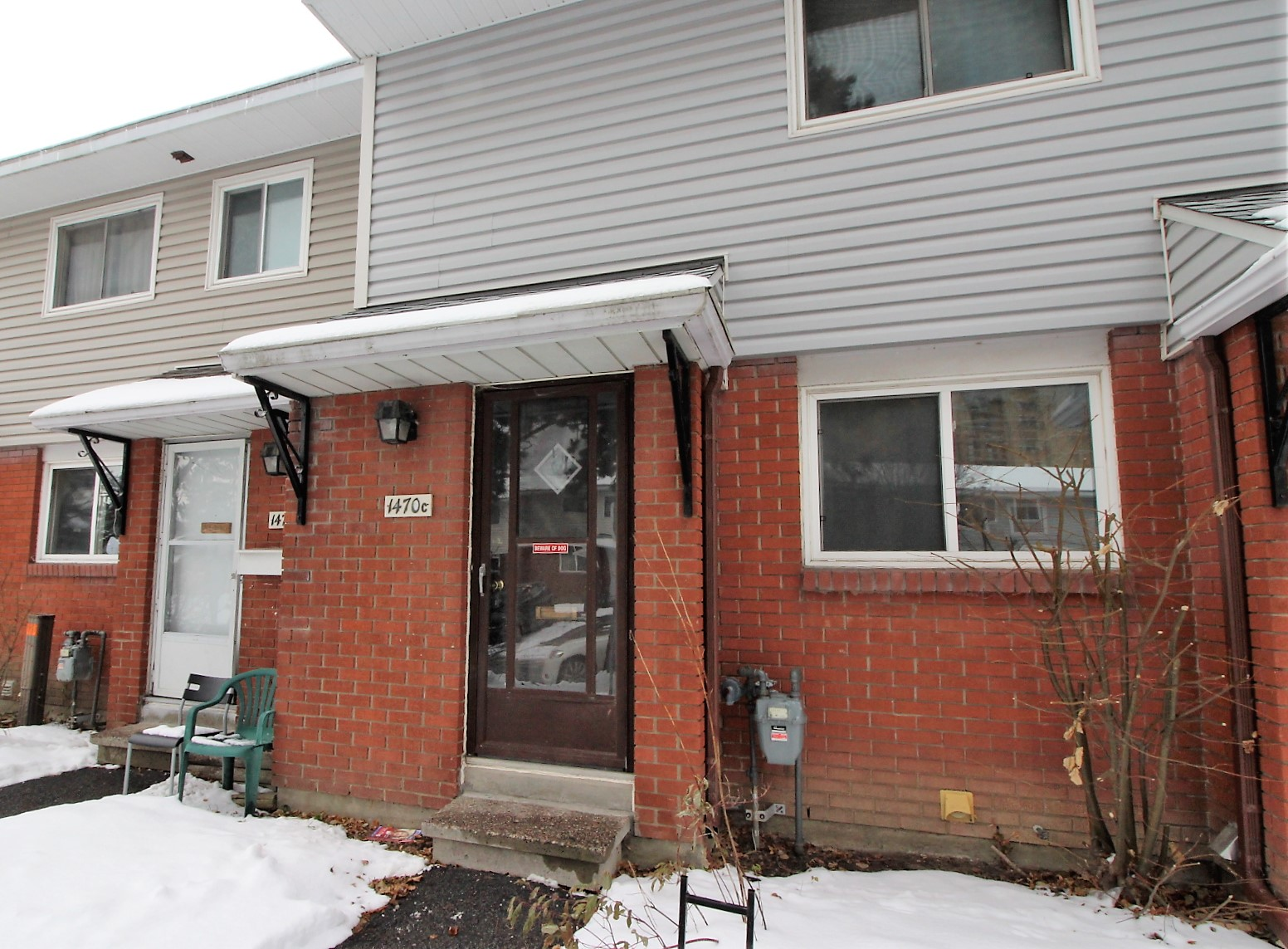 1470C Heatherington Rd - Perfect Home for 1st Time Buyers or Investors in Heron Gate area!