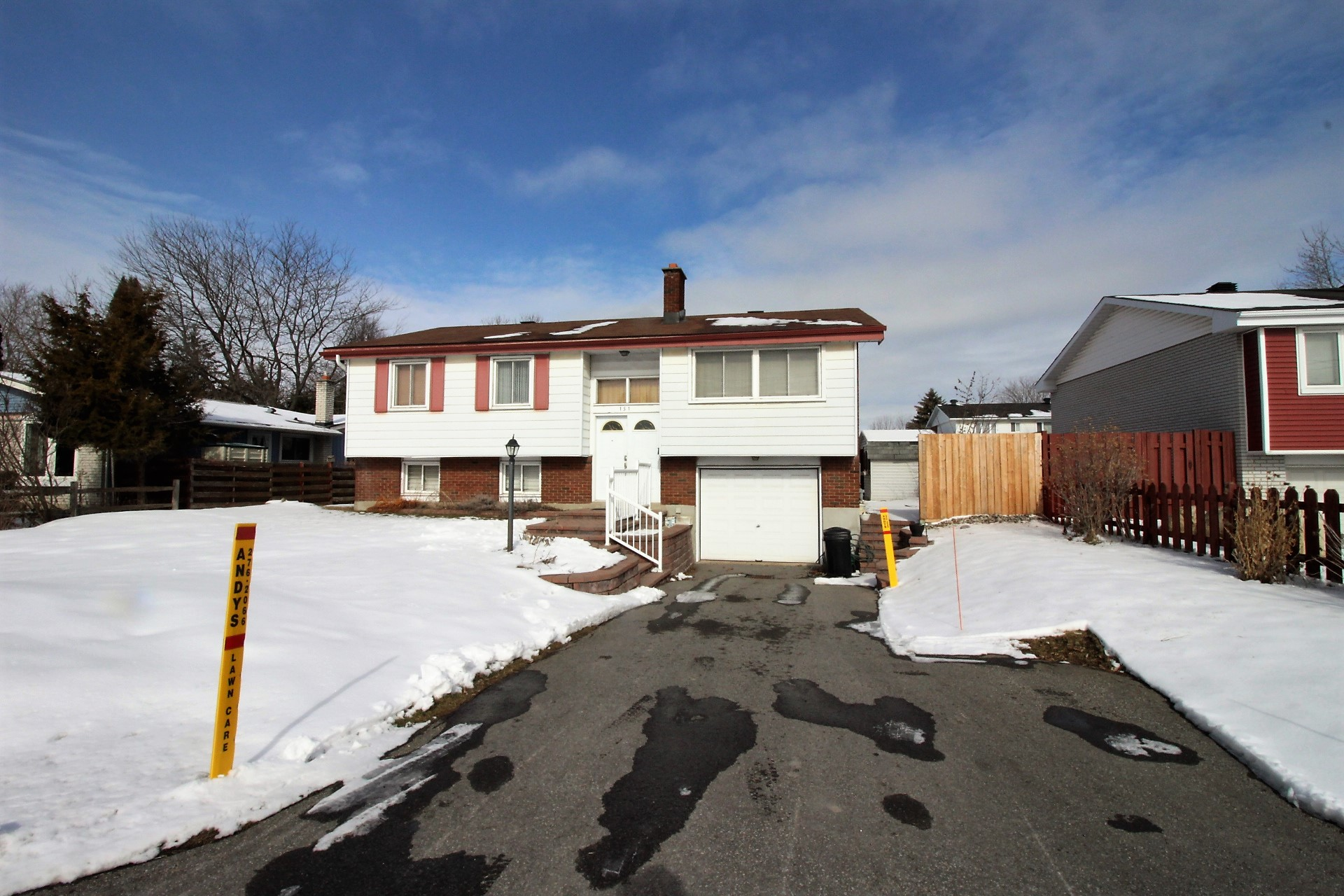 151 David Dr - Hi Ranch Bungalow close to all Amenities in popular St. Claire Gardens!