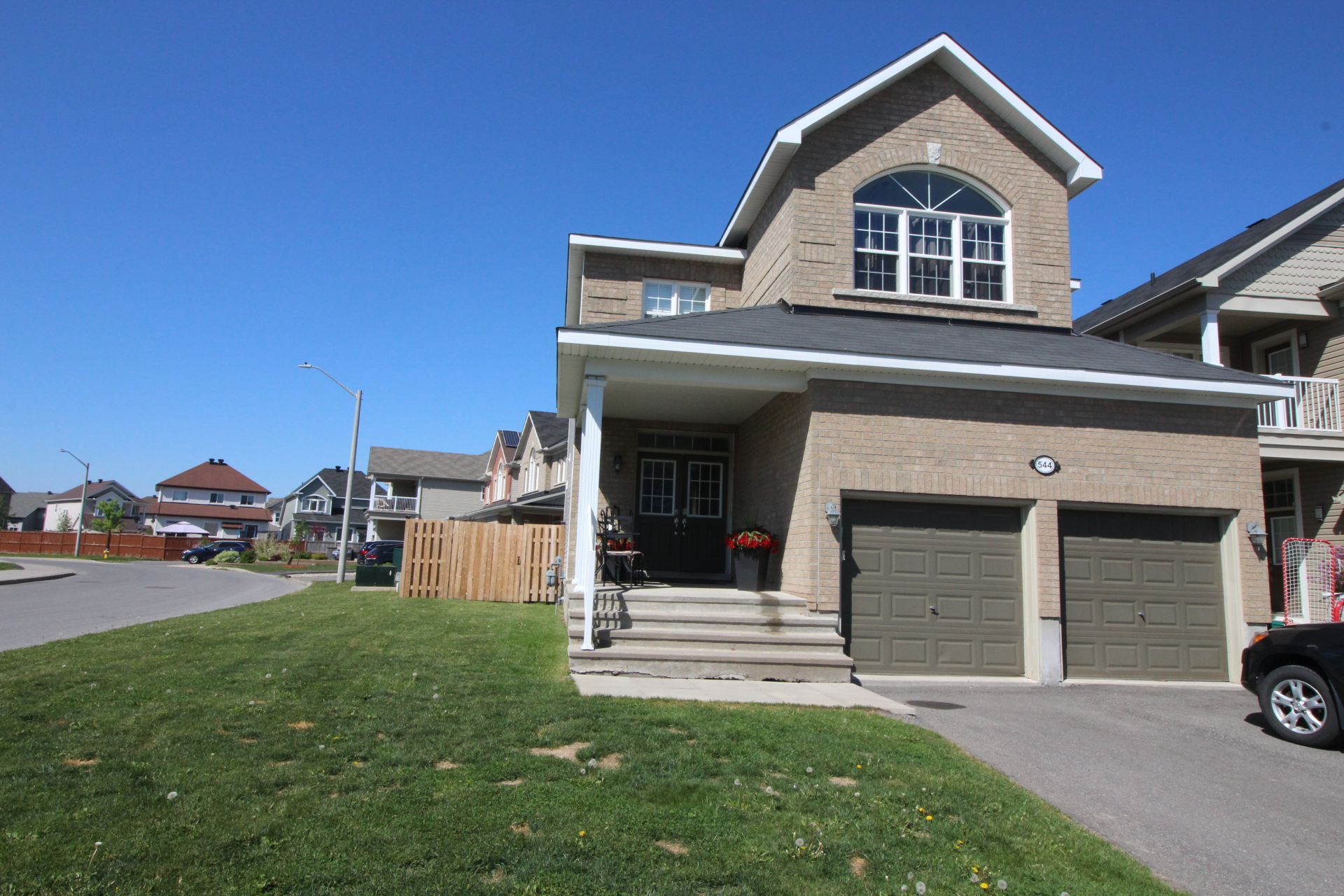 544 Bretby Cres FOR RENT in beautiful Strandherd Meadows Barrhaven