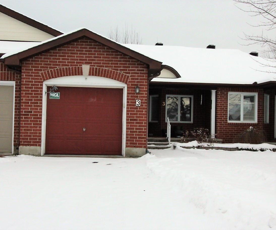 3 Partridge Dr - Adult Lifestyle Bungalow with Clubhouse in Bridlewood!