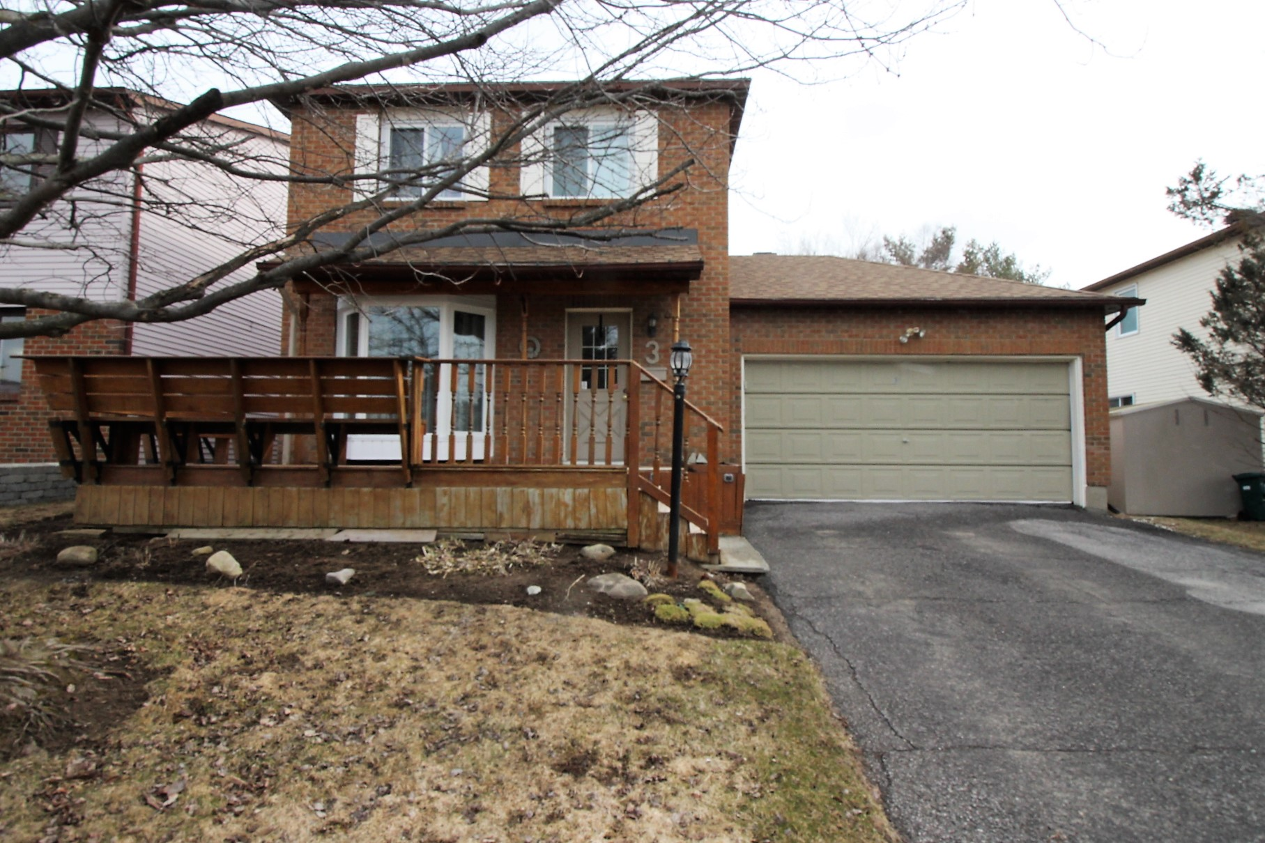 3 Airycot Circle - Well Maintained Detached Home with Finished Basement in Barrhaven!