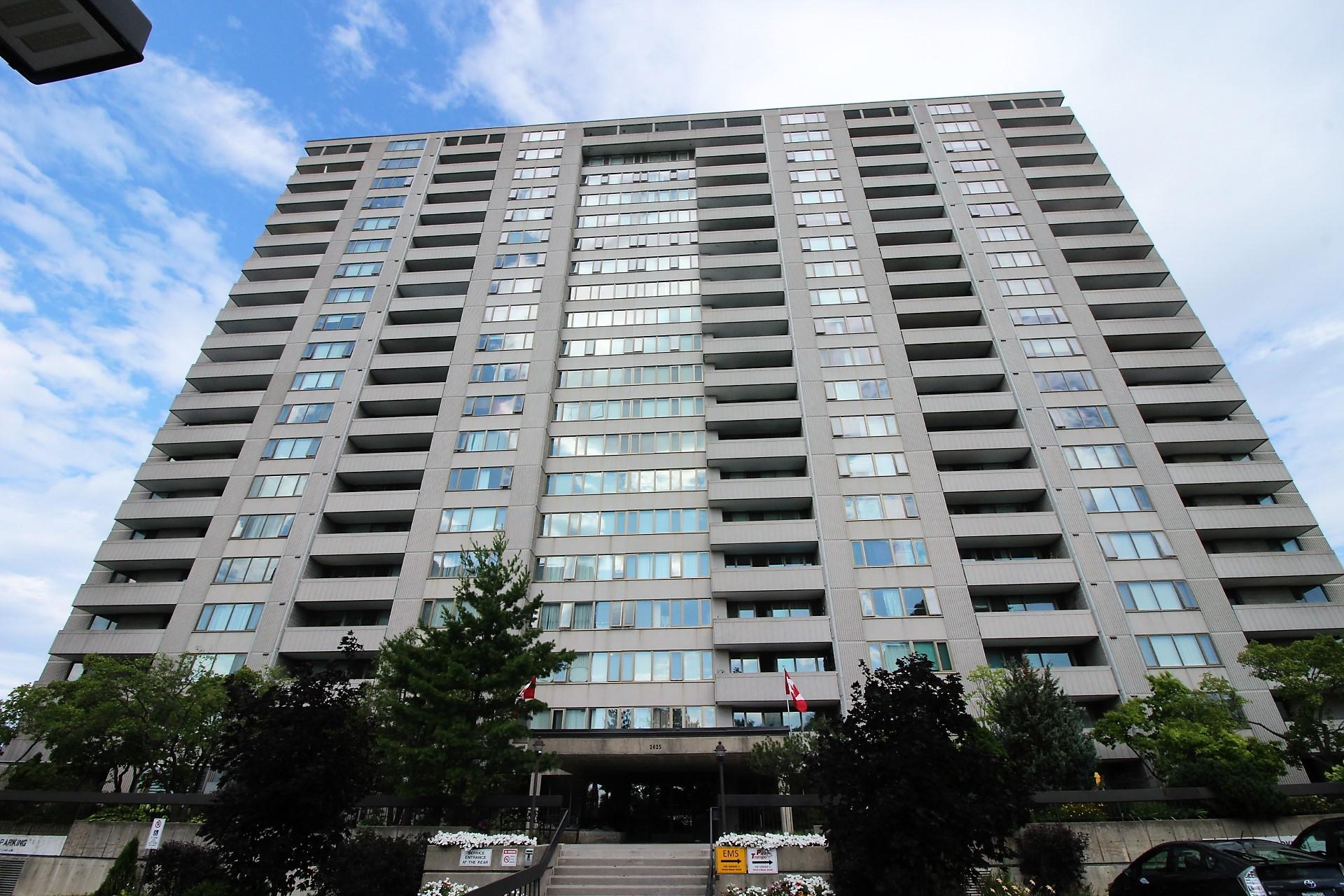 709-2625 Regina St - Renovated 2 Bedroom Condo Apartment in Britannia area!