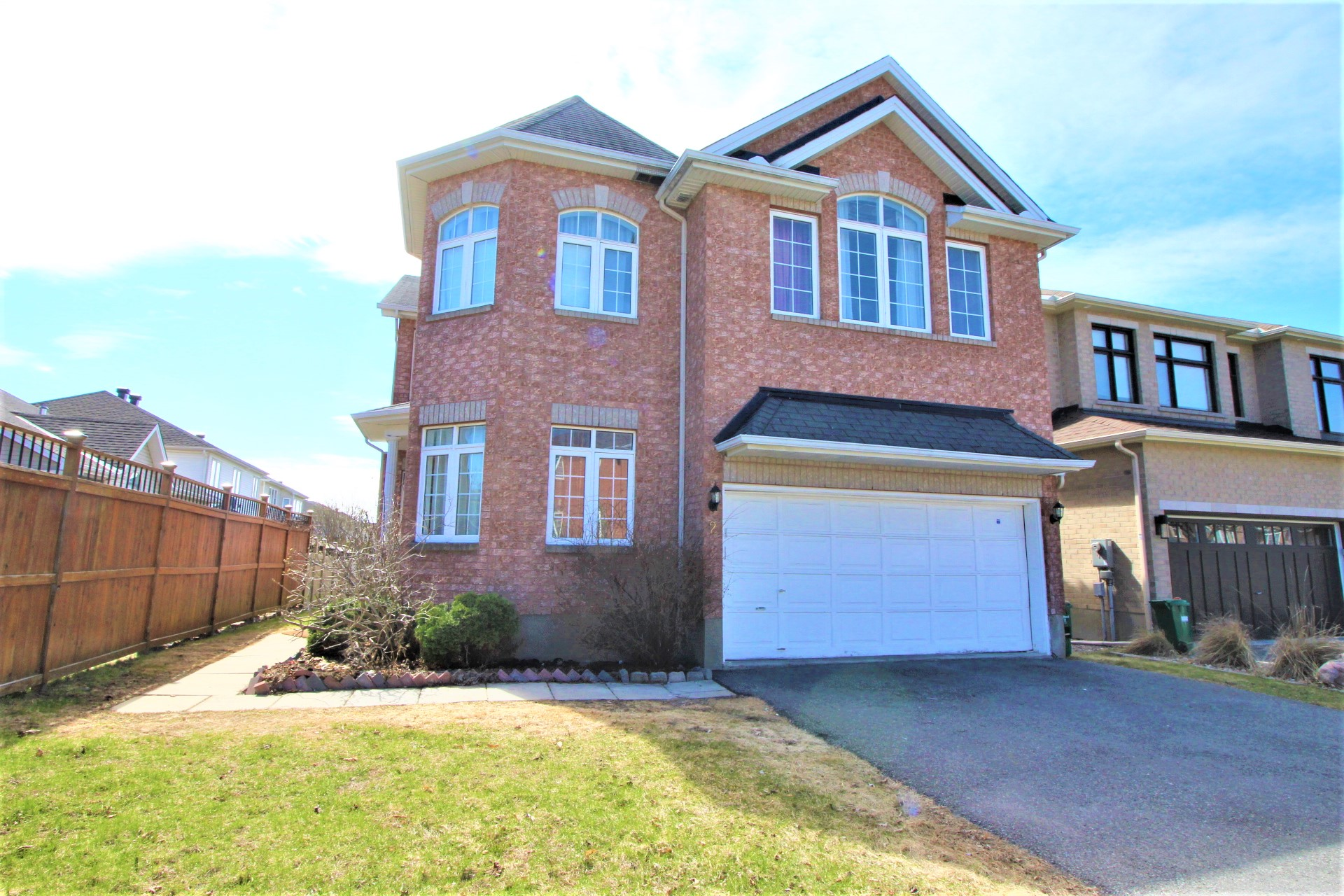 2 Grenwich Circle - Fabulous 5 Bedroom Executive Home for RENT in Central Park area!