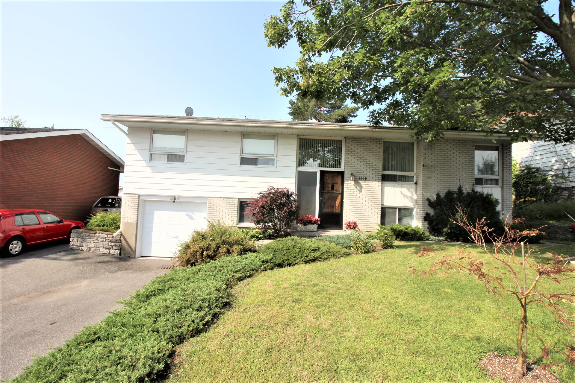 1000 Watson St - Spacious Detached Home with Finished Basement in Fairfield Heights