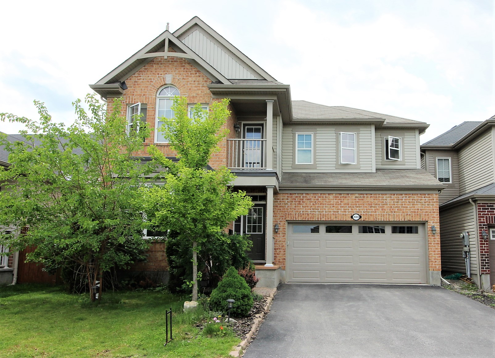 2503 Stone Cove Cres - Gorgeous 4 plus 1 Bed, 3.5 Bath Detached Home in Half Moon Bay area!
