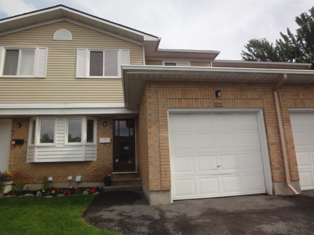 156B Valley Stream Dr - Wonderful 3 Bedroom Townhome for RENT in Leslie Park area!
