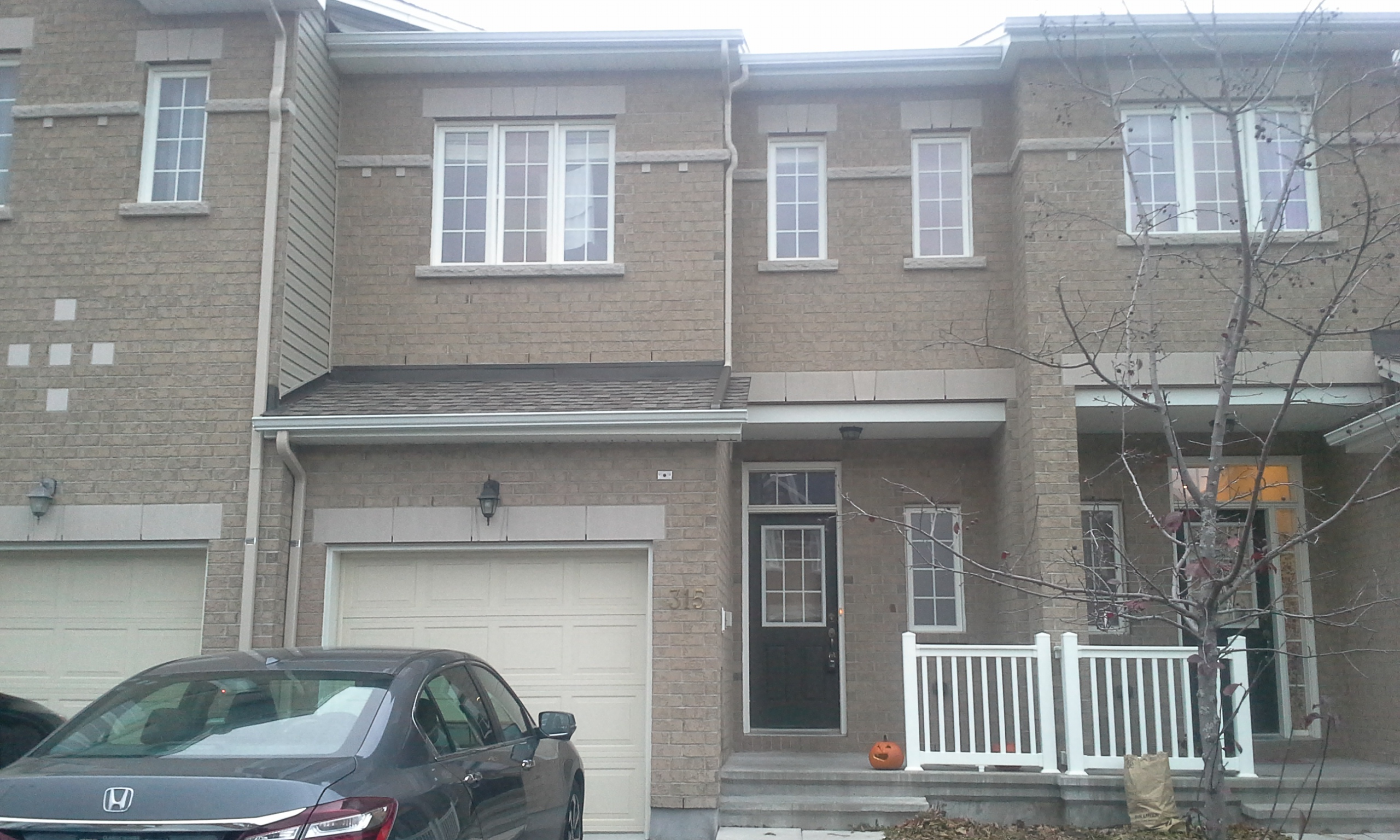 315 Kingbrook Dr - Spacious 3 Bedroom Townhouse for RENT in popular Bridlewood!