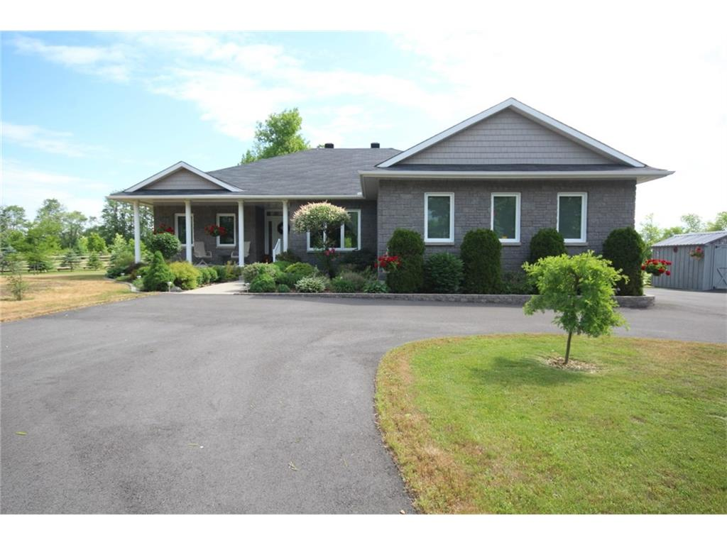 41 Salmon Side Rd - Gorgeous Well Maintained 3 Bedroom Bungalow in Smiths Falls area!