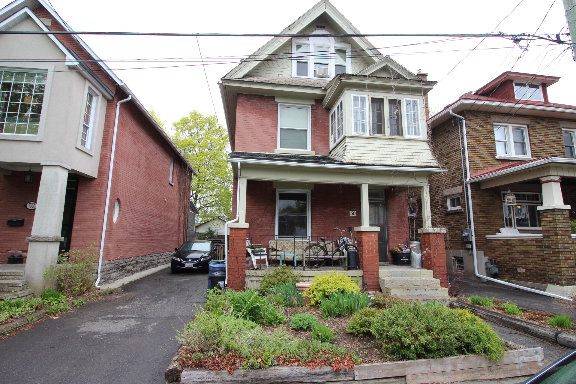 50 Melrose Ave - Fantastic Location near Civic Hospital. Live-in or Invest!