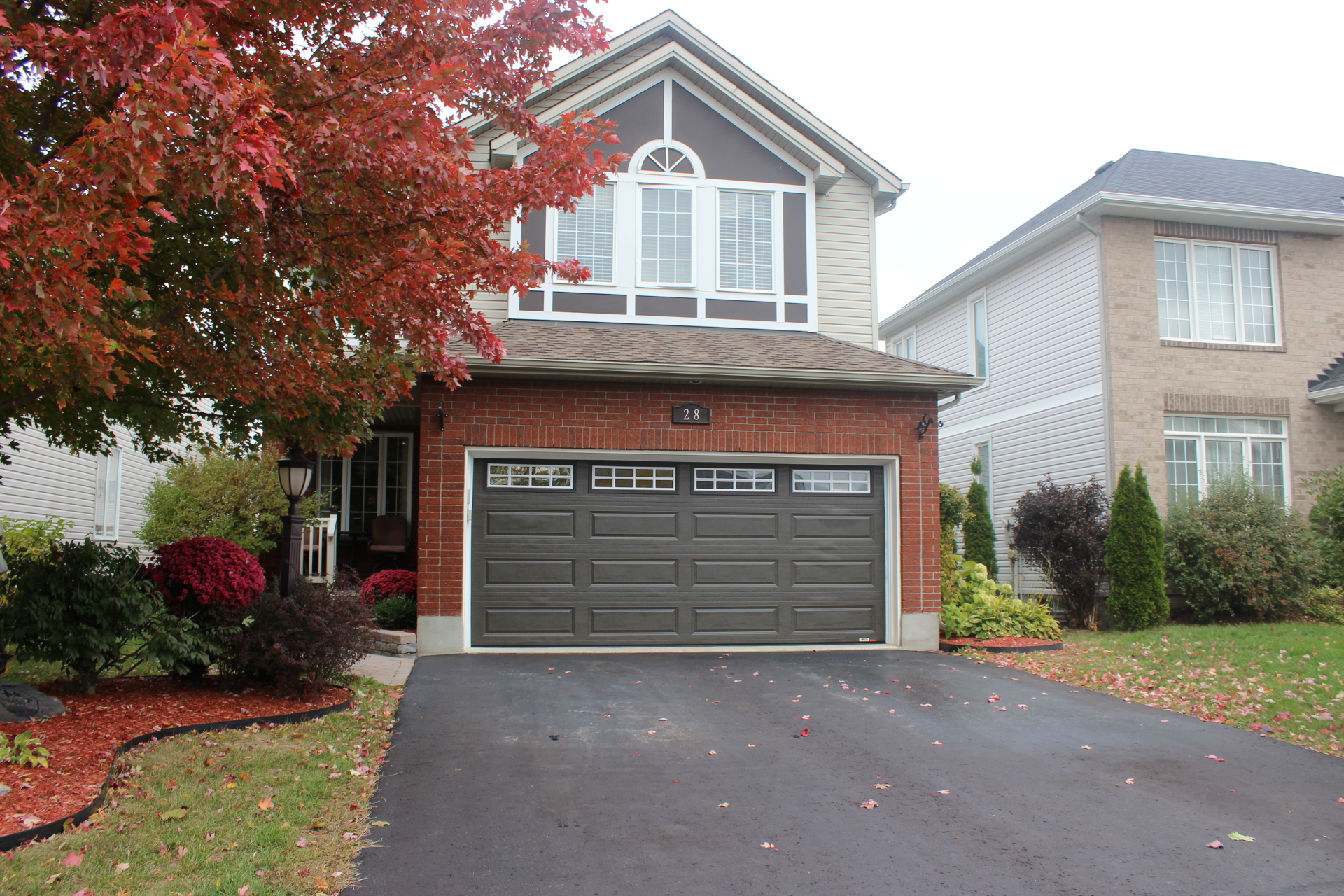 28 Brightside Ave - Fabulous 2 Storey Detached Home with Salt Water Pool in popular Stittsville!