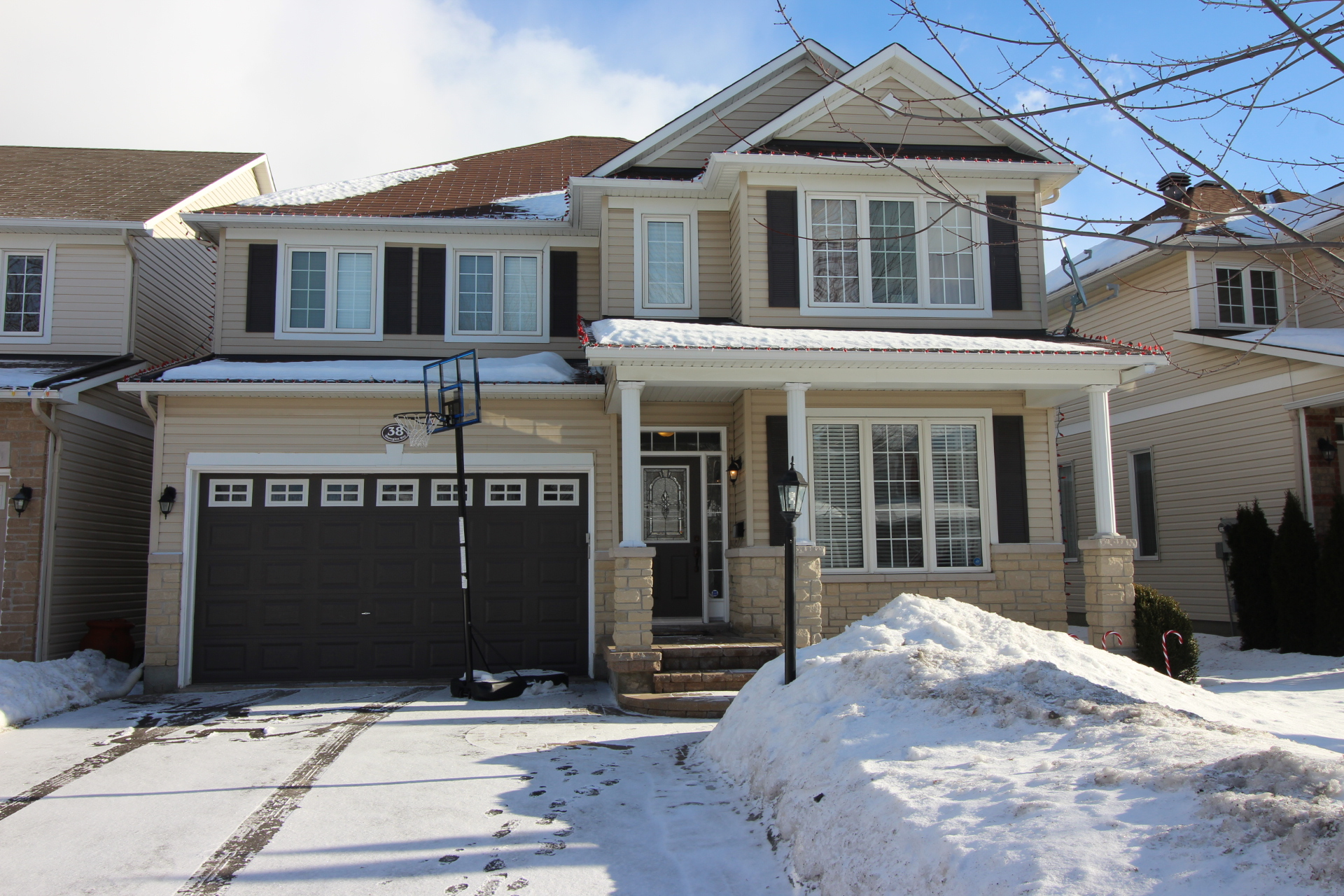 38 Shawglen Way - Stunning Detached Home in the Golf Course Community of Stonebridge!