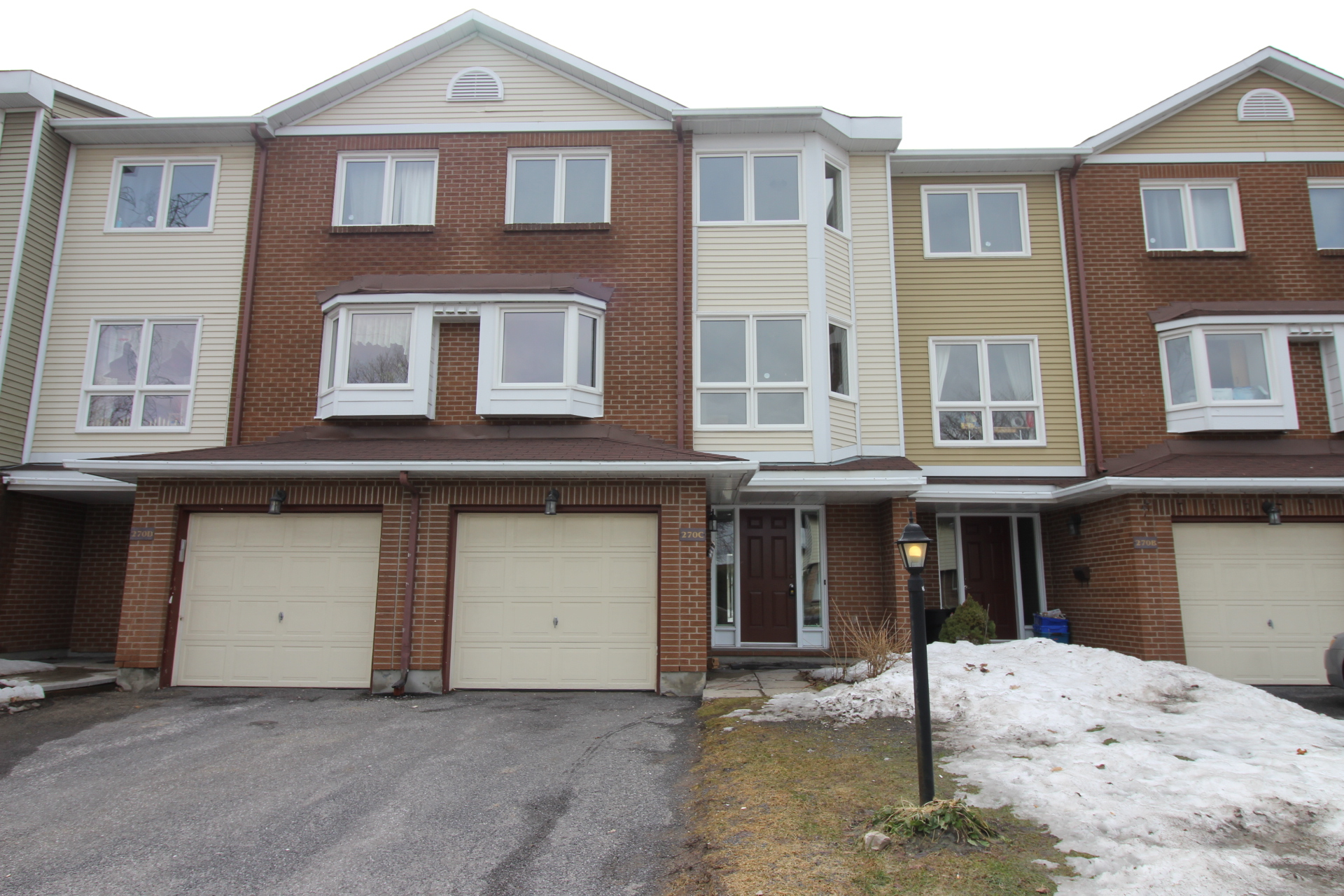 270C Dalehurst Dr - Spacious Condo Townhouse in popular Tanglewood area!