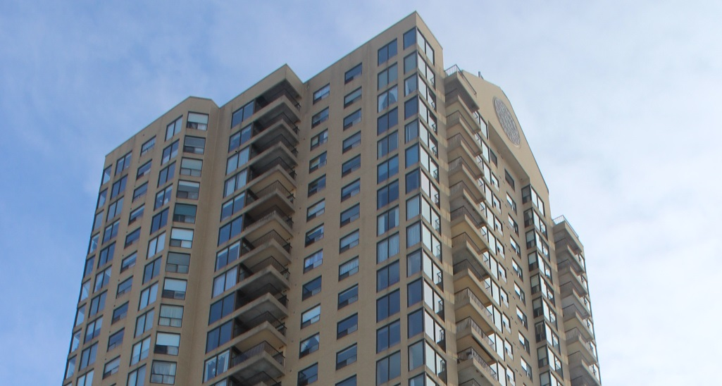 2107 - 545 St Laurent Blvd - Panoramic Views from this Lovely 2 Bed Condo in East Ottawa!
