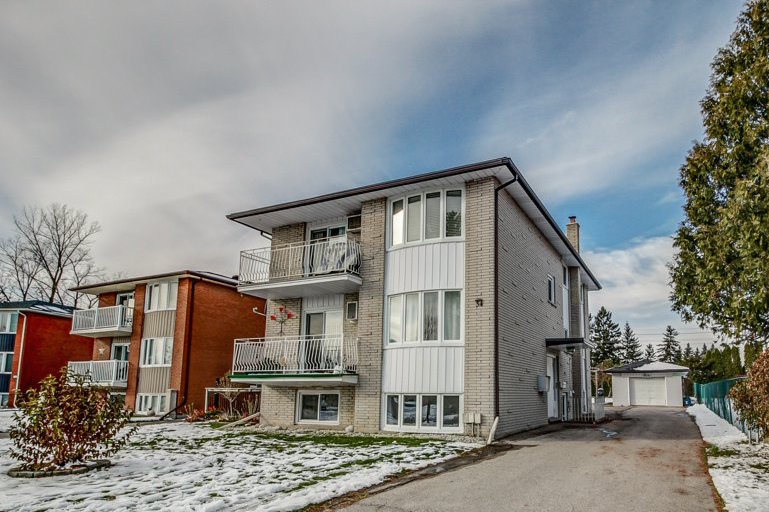 34 Carnaby Cres, Kitchener