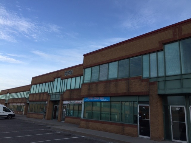 3906 Sq Ft Warehouse-FOR LEASE
