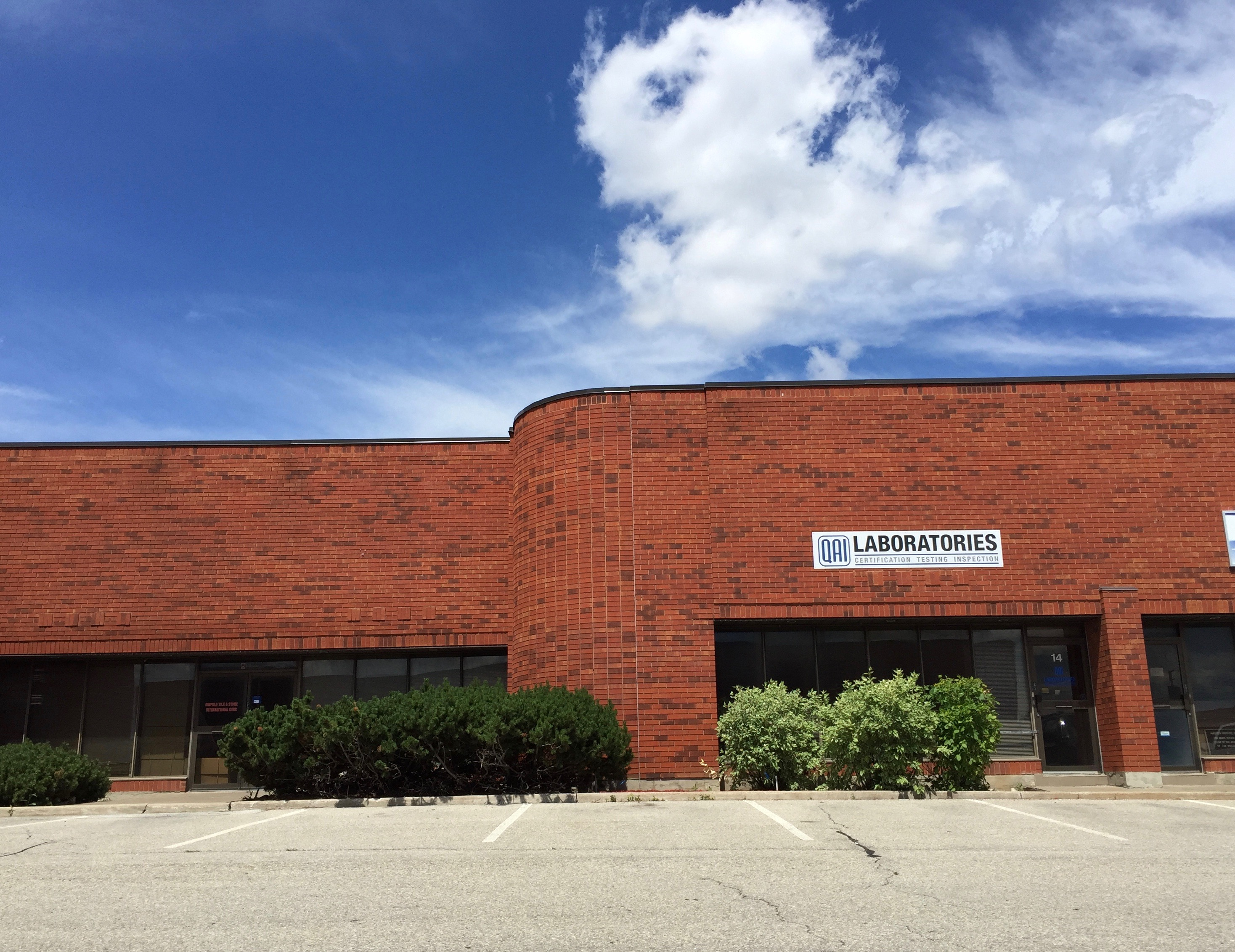 3377 Sq Ft Warehouse FOR LEASE