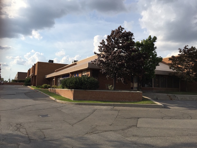 For Lease 7350 Sq Ft-STREET EXPOSURE
