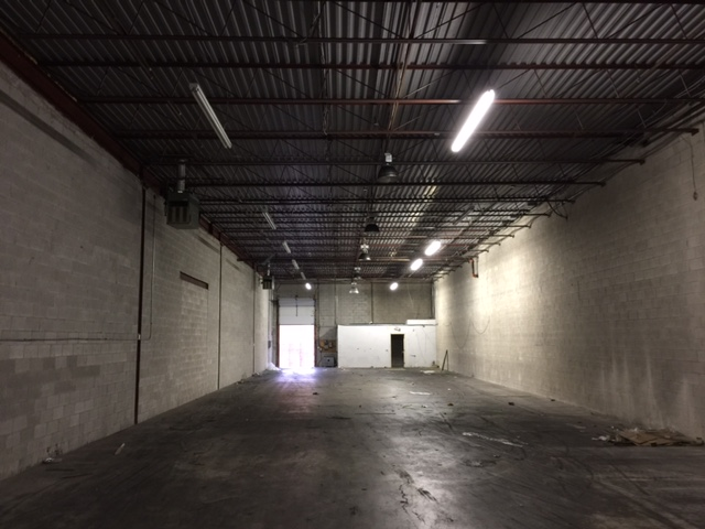 6500 Sq Ft-FOR LEASE-TL shipping