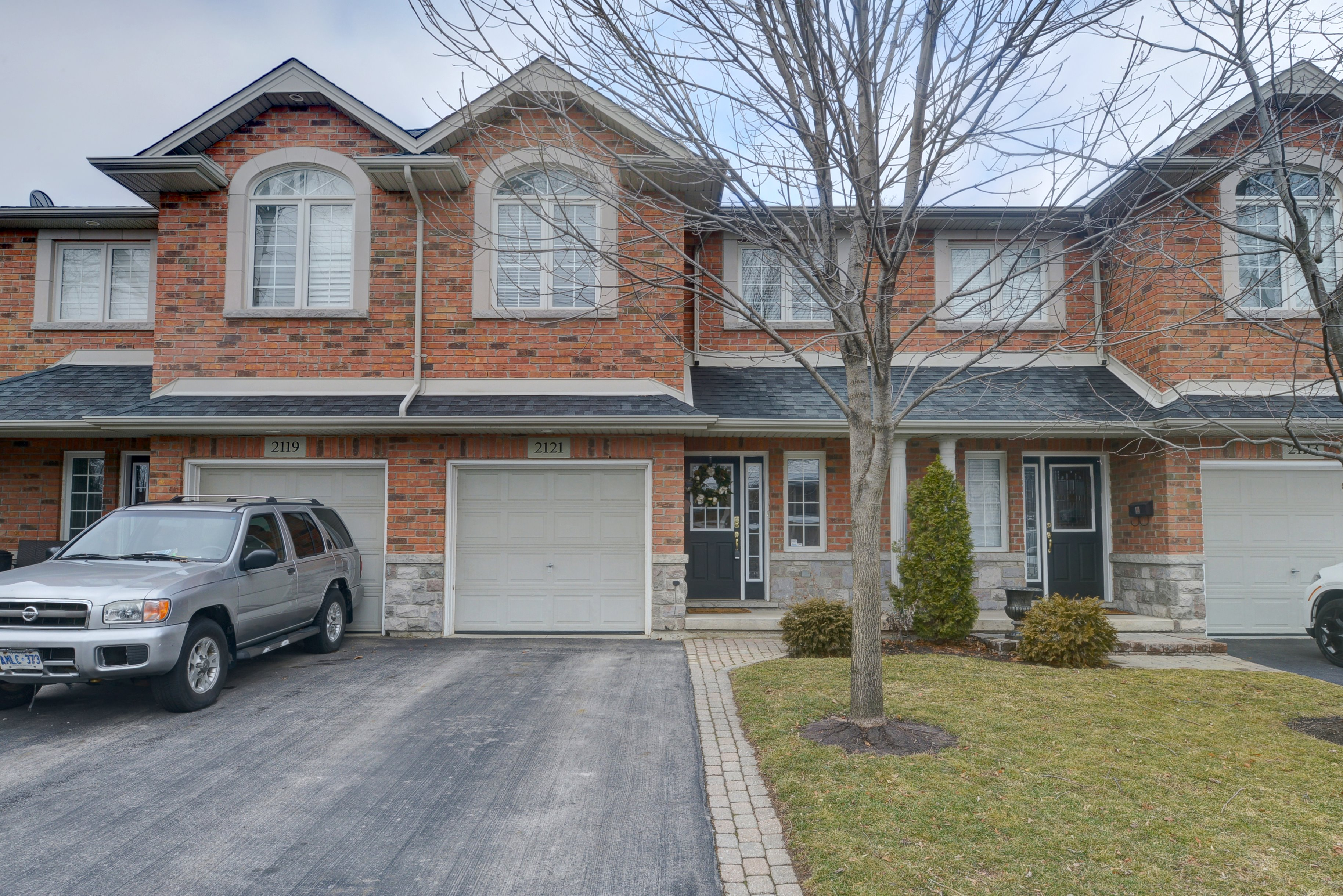Fabulous Freehold Townhome in Downtown Burlington!