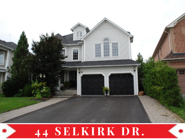 44 Selkirk Dr, Whitby