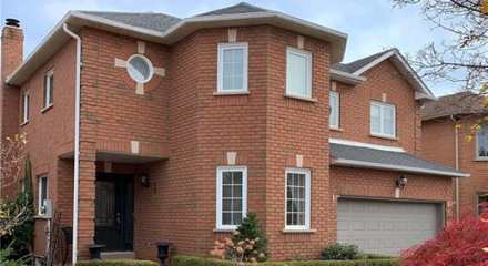 Awesome Family Home in Oakville with Guaranteed Real Estate Services Inc.