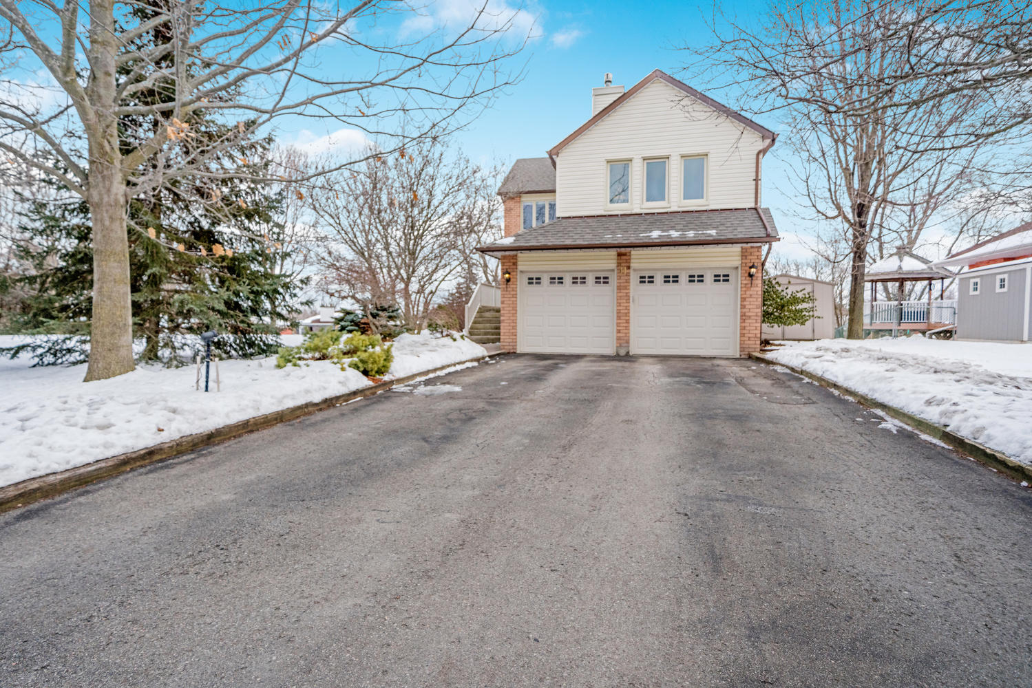 11 Thompson Dr, Halton Hills