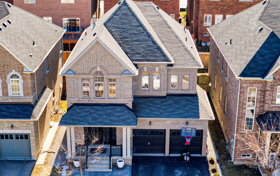 47 Lavallee Cres
