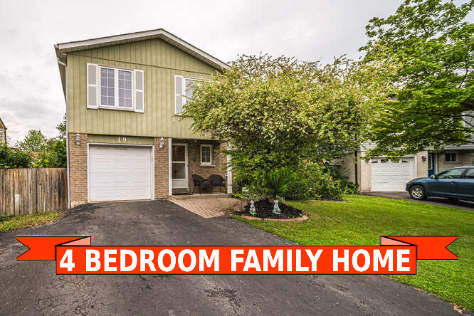 19 Chopin Crt, Whitby