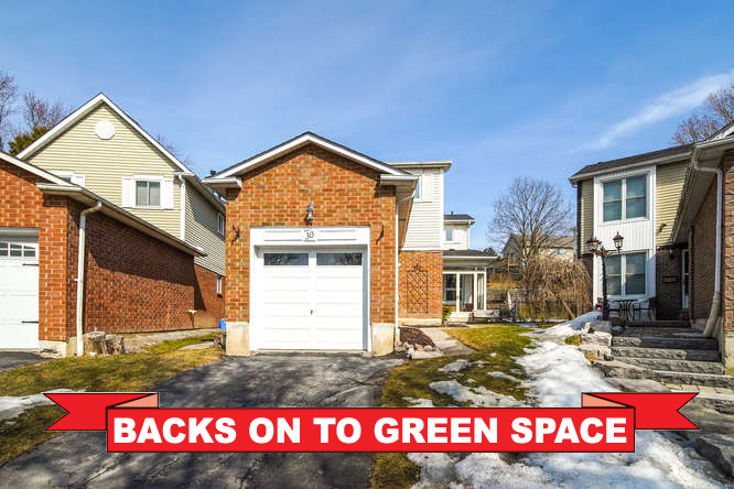 30 Frost Dr, Whitby