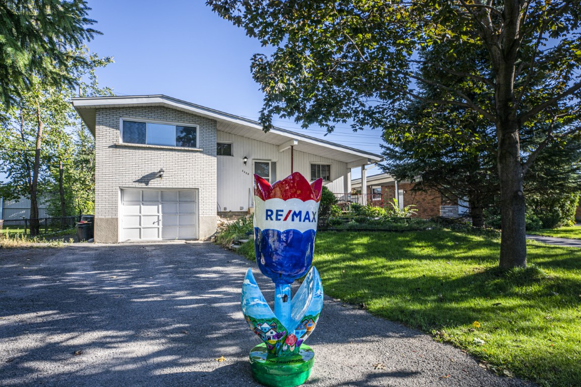 2088 Queensgrove | Solid but Original Home in Glabar Park