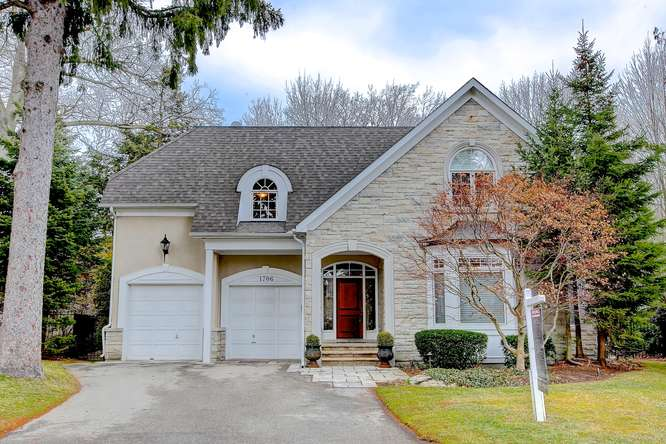 1706 The Pines, Mississauga