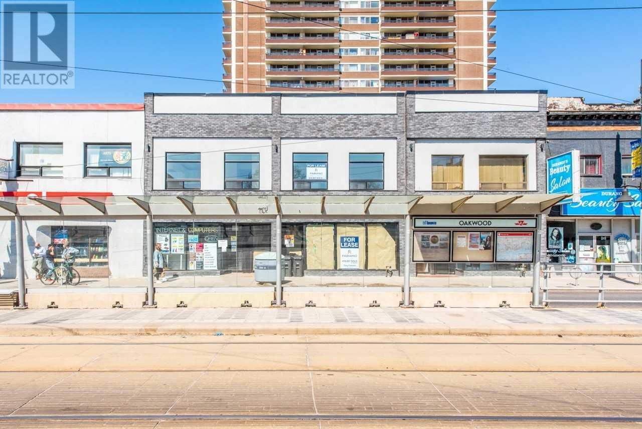 942 ST CLAIR AVE W